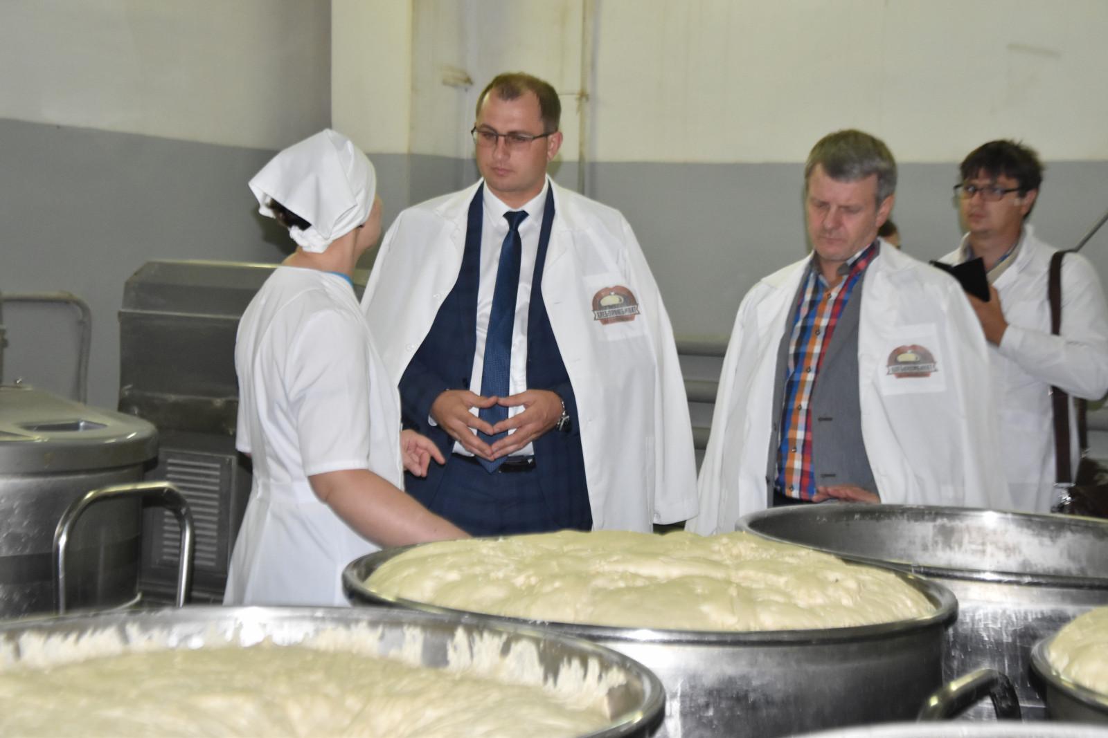 Вице-губернатор Сергей Иванов проинспектировал работу тамбовского хлебокомбината