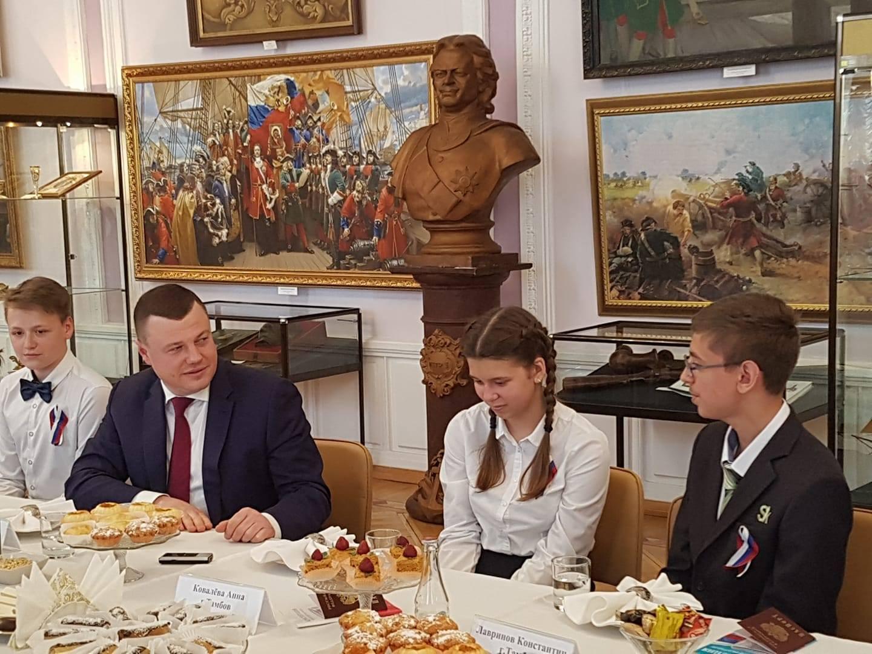 Губернатор Александр Никитин: «Руководители городов и районов области должны сделать встречи с молодежью традиционными»