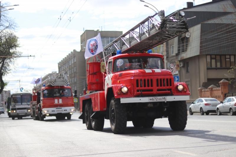 Впервые по улицам Тамбова устроили автопробег спецтехники