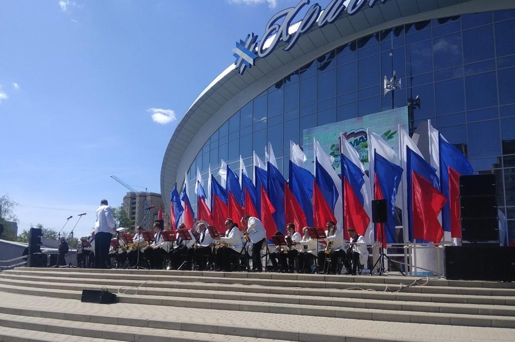 Оркестры, флаги, шествие и солнце: Тамбов встречает Первомай
