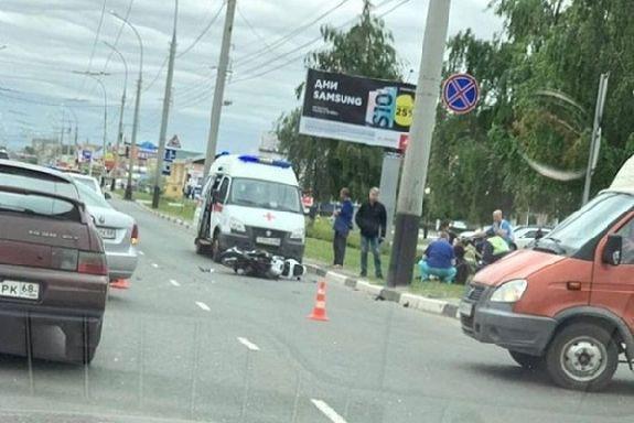 В Тамбове 24-летняя девушка на мотоцикле столкнулась с иномаркой