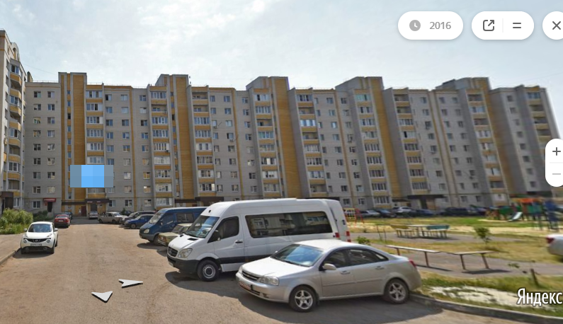В Тамбове с балкона восьмого этажа выпала женщина