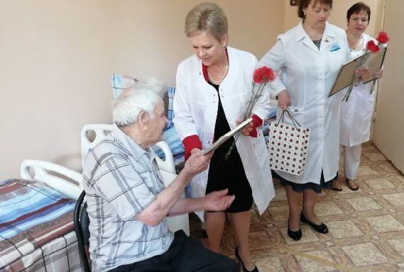 В ветеранском госпитале поздравили участников Великой Отечественной войны
