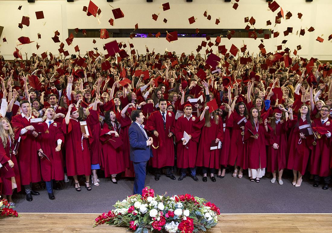 Красные дипломы выпускникам Тамбовского филиала РАНХиГС вручил ректор Владимир Мау