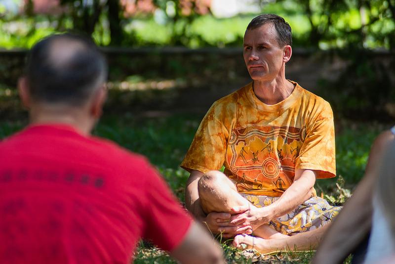 На фестивале развития, танцев и йоги гости боролись со стрессом и познавали себя