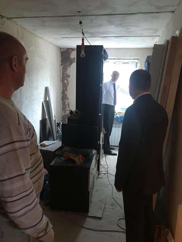 Пострадавшую от пожара многодетную семью из Рассказово посетил Уполномоченный по правам человека