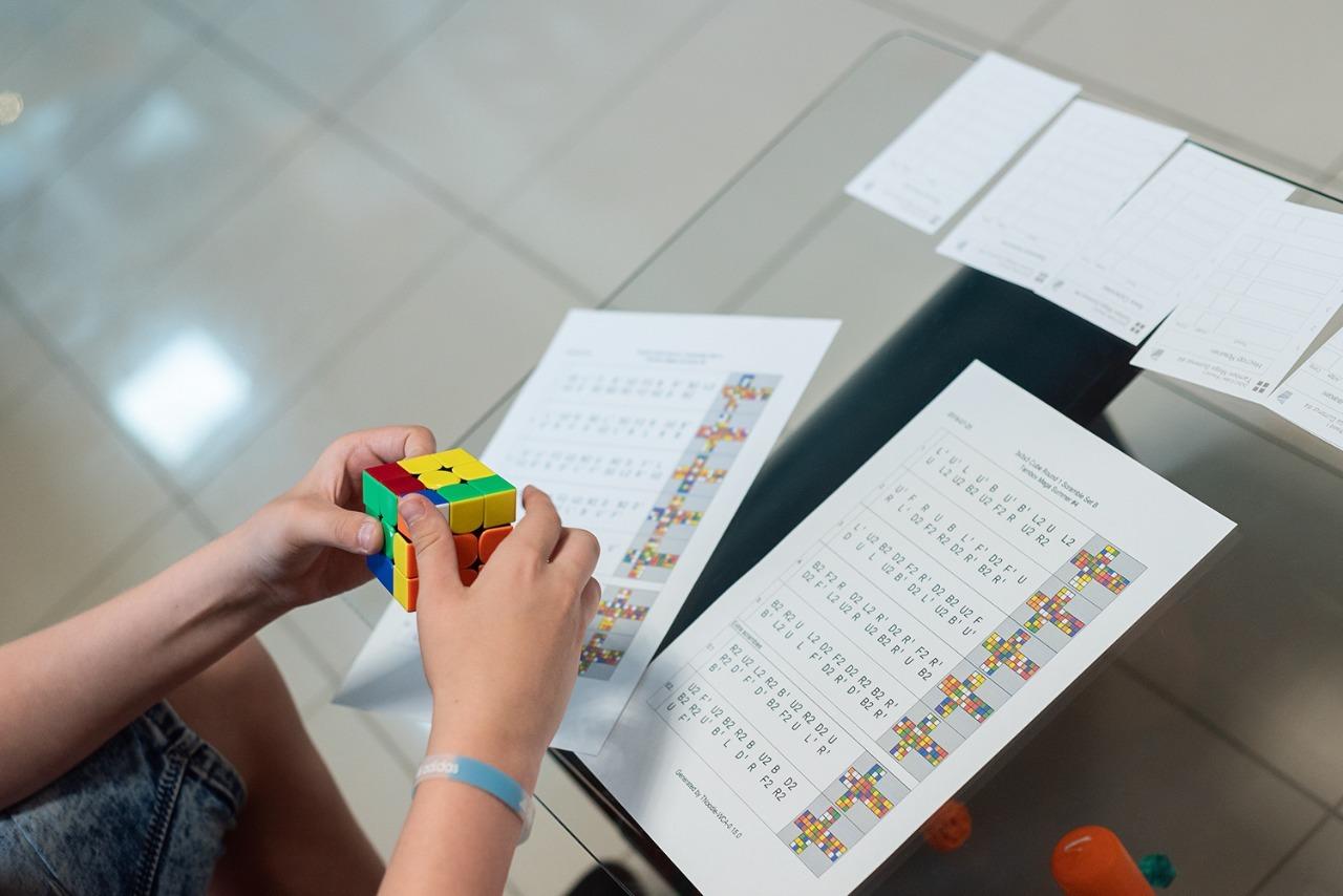 Школа спидкубинга проводит в Тамбове серию чемпионатов