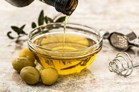 Специалисты назвали растительные масла, которые помогают убрать жир на животе