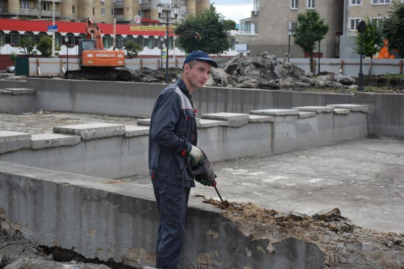 В сквере на площади Льва Толстого обустроят фонтан каскадного типа