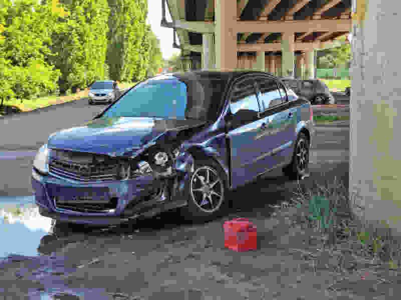 В Тамбове при столкновении двух легковушек пострадали оба водителя