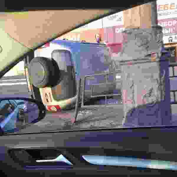 В Тамбове у гипермаркета «Ашан» легковушка сбила женщину и перевернулась