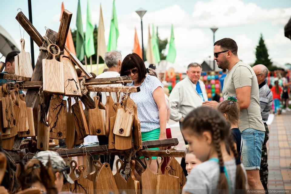 В Тамбовском районе на базе школы агробизнеса устроили фестиваль ремесленного сыра с дегустацией продукции и выставкой коз