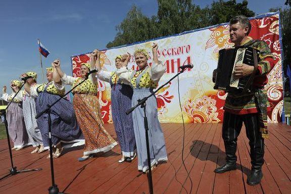 На Празднике русского сарафана гостей накормят 14 видами каши