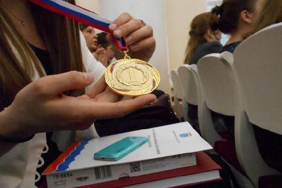Победители международных школьных олимпиад получат премии в 1 млн рублей