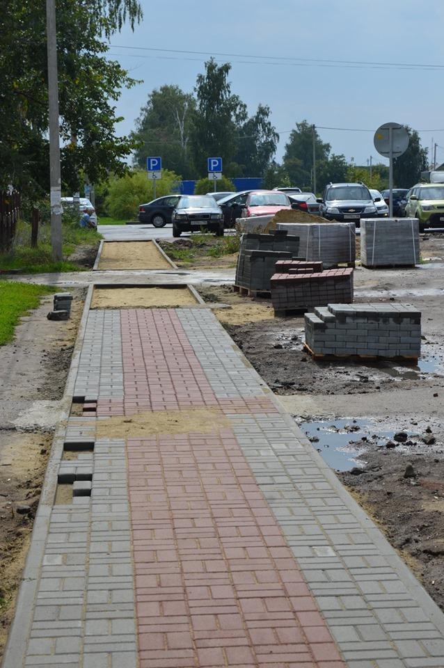 В Рассказово в районе школы и МФЦ появилась тротуарная плитка