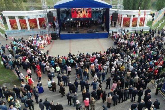 Обзор первого дня Покровской ярмарки: чудо-тыква, новый рекорд, гастрономические изыски