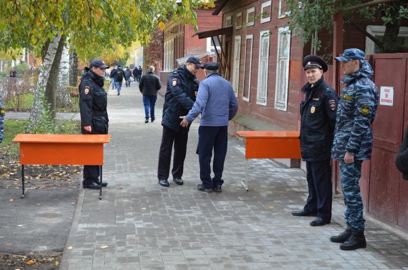 Полицейские предотвратили ряд преступлений на территории проведения Покровской ярмарки