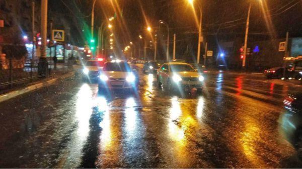 В Тамбове пенсионера, переходившего дорогу на красный свет, сбила иномарка