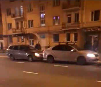 В центре Тамбова из-за пешехода, перебегавшего дорогу, столкнулись четыре машины