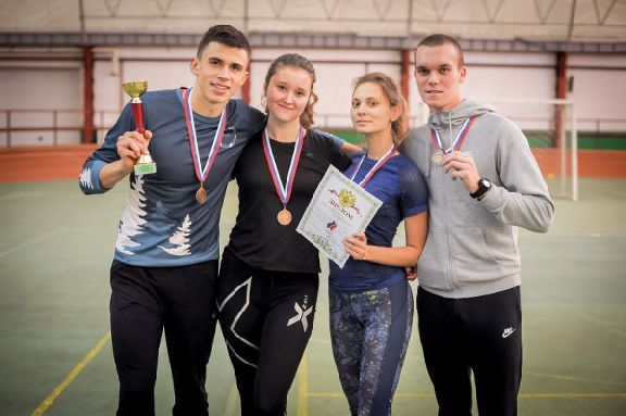Юноши и девушки из ТГУ пробежали шведскую эстафету