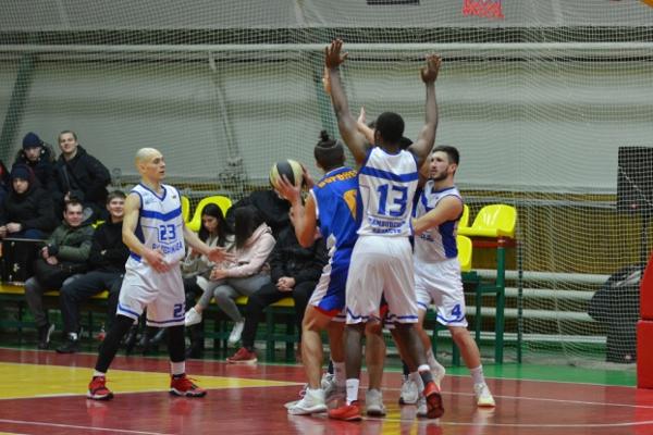 Баскетболисты ТГУ дважды проиграли, но всё равно лидируют в группе