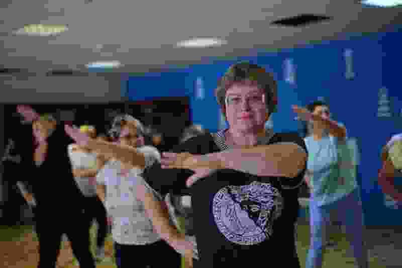 «Единая Россия» начала проводить в Тамбове бесплатные занятия танцевальным фитнесом для пенсионеров