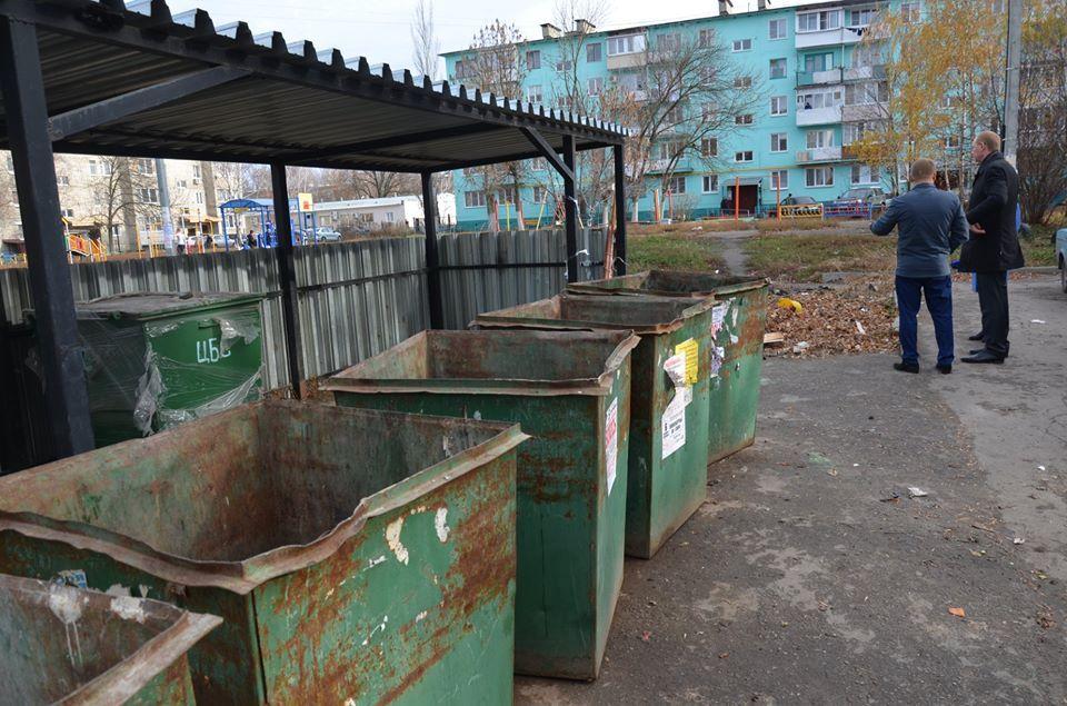 Глава Рассказово проконтролировал работу по вывозу мусора в городе