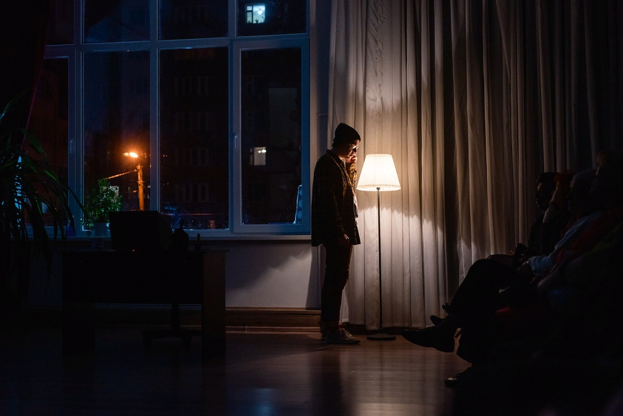 """Премьера в Молодежном театре: почему """"Серёжа очень тупой""""?"""