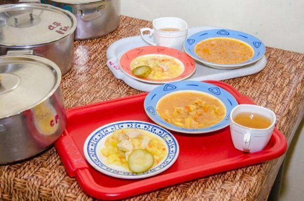 Регионы получат помощь для организации бесплатного горячего питания в школах