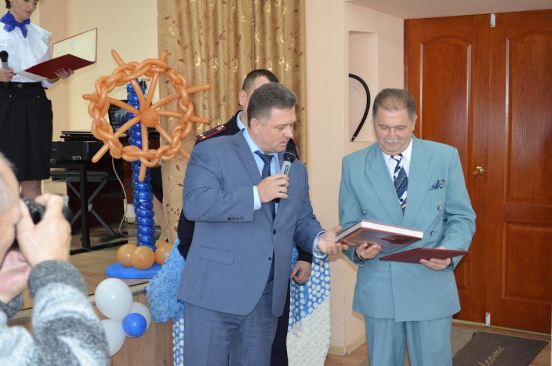 Сотрудники тамбовского УМВД поздравили со столетием Красносвободненскую школу-интернат