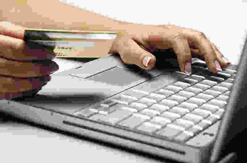 Тамбовчанин со взломанных аккаунтов в соцсетях похитил десятки тысяч рублей у жителей Пензенской области