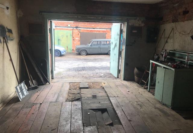 В Тамбовской области в гараже нашли тело 30-летнего мужчины