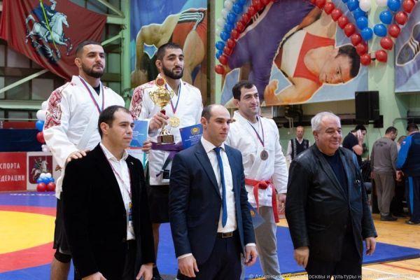 Борец тамбовского клуба единоборств победил на фестивале традиционных видов борьбы