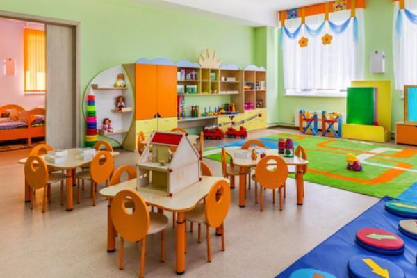 Братьев и сестер будут принимать в один детский сад или школу