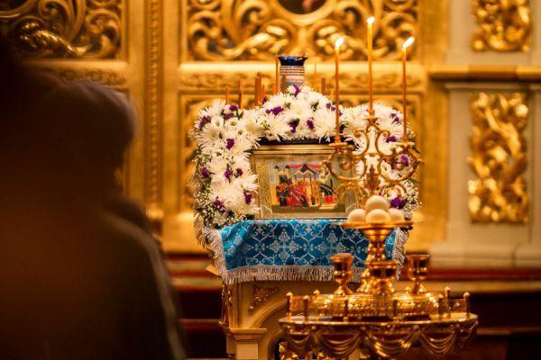 Православные отмечают праздник Введения во храм Пресвятой Богородицы