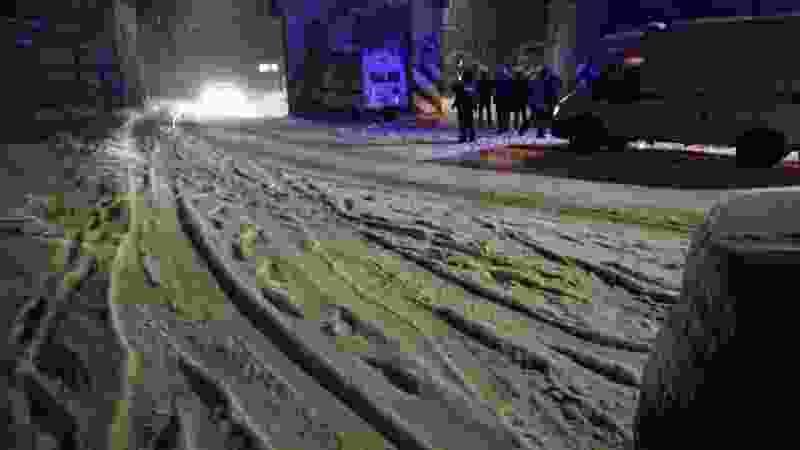 В городе Котовске Тамбовской области машина скорой помощи врезалась в опору моста: пострадали трое человек