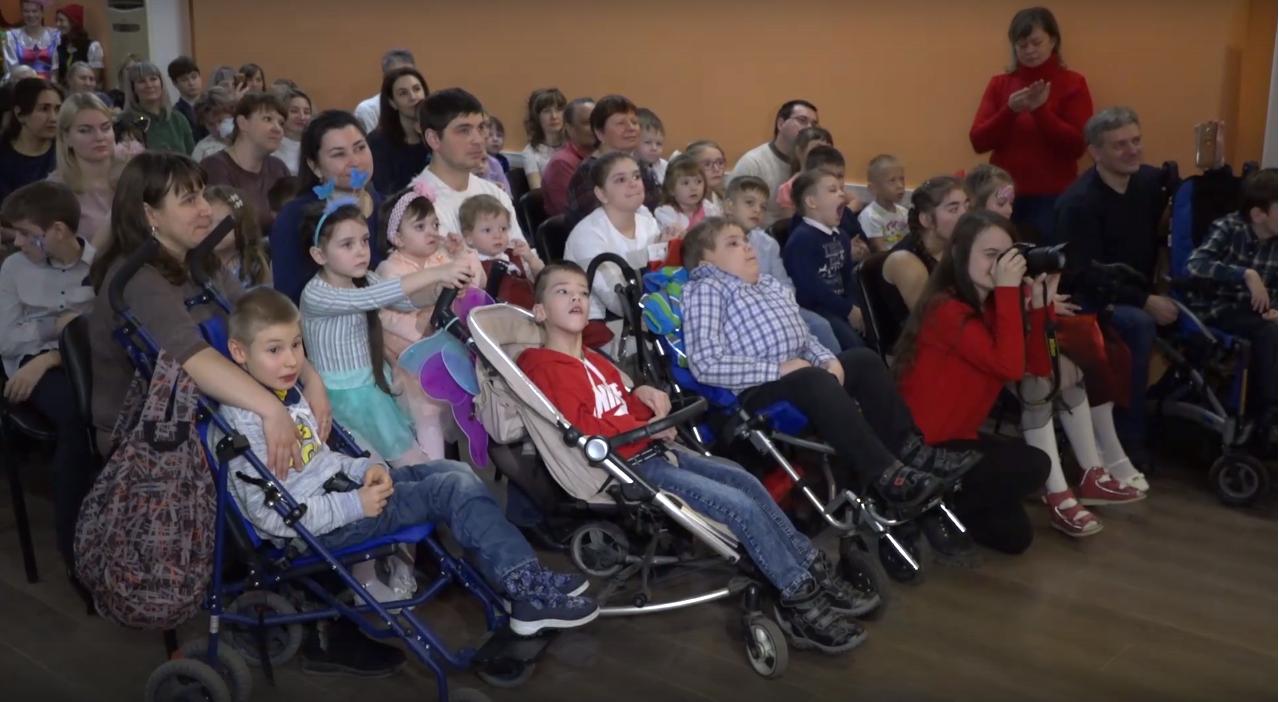 В Тамбове прошло Новогоднее представление для детей с особенностями развития