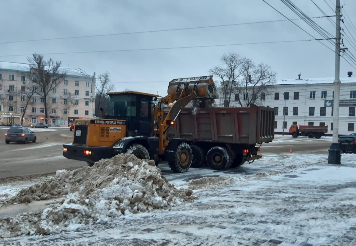 Дороги Тамбова круглосуточно очищают от снега