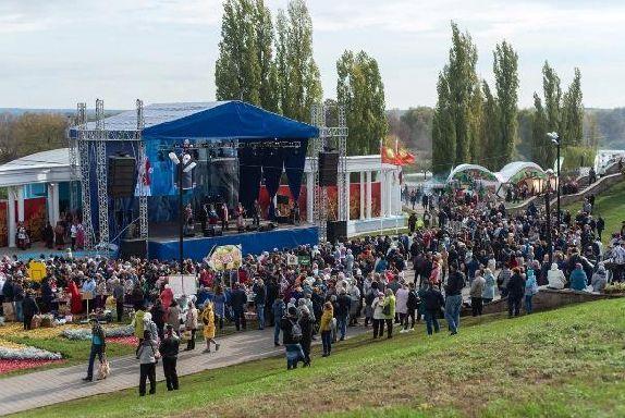 """Рок-фестиваль """"Чернозем"""" и IX Международная Покровская ярмарка"""