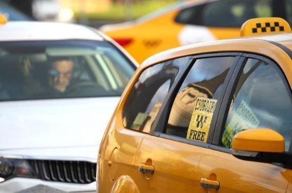 Судимым за тяжкие преступления запретят работать в такси