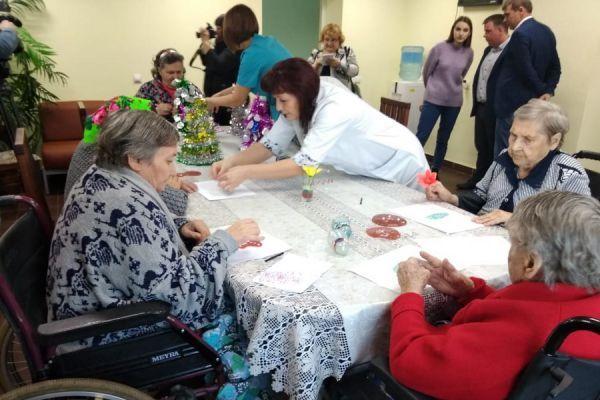 В этом году в Тамбовской области продолжат проект по уходу за пожилыми людьми