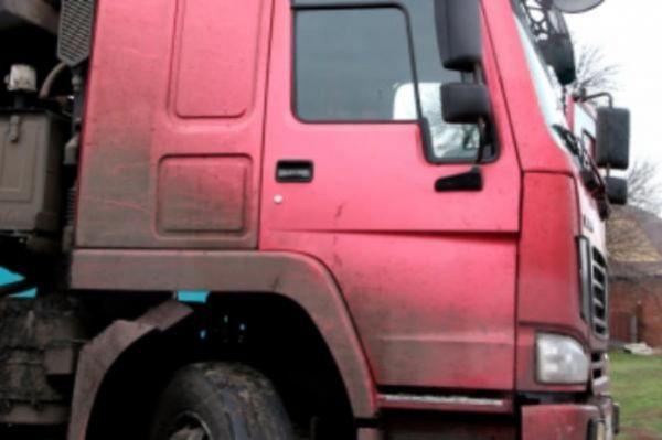 В Тамбове трое мужчин украли у предпринимателя аккумуляторы