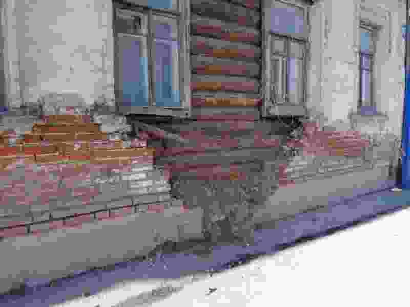 Администрации Тамбова предстоит восстановить дом в самом центре города, у которого обрушилась кирпичная кладка