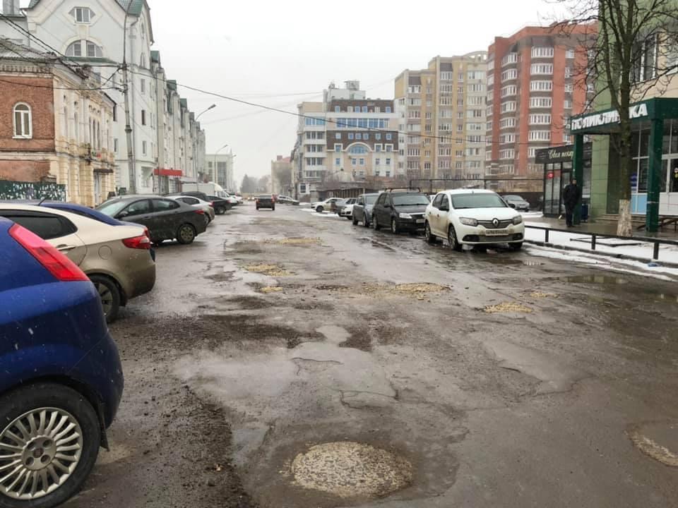 К двум детским садам Тамбова сделают подъездную дорогу и обустроят парковки