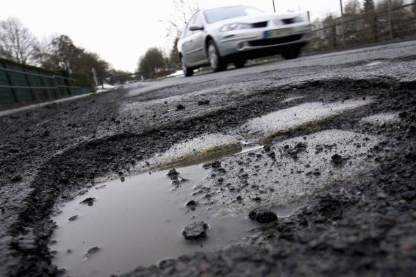 Нарушение всех норм: тамбовчане недовольны ямочным ремонтом на улице Серова