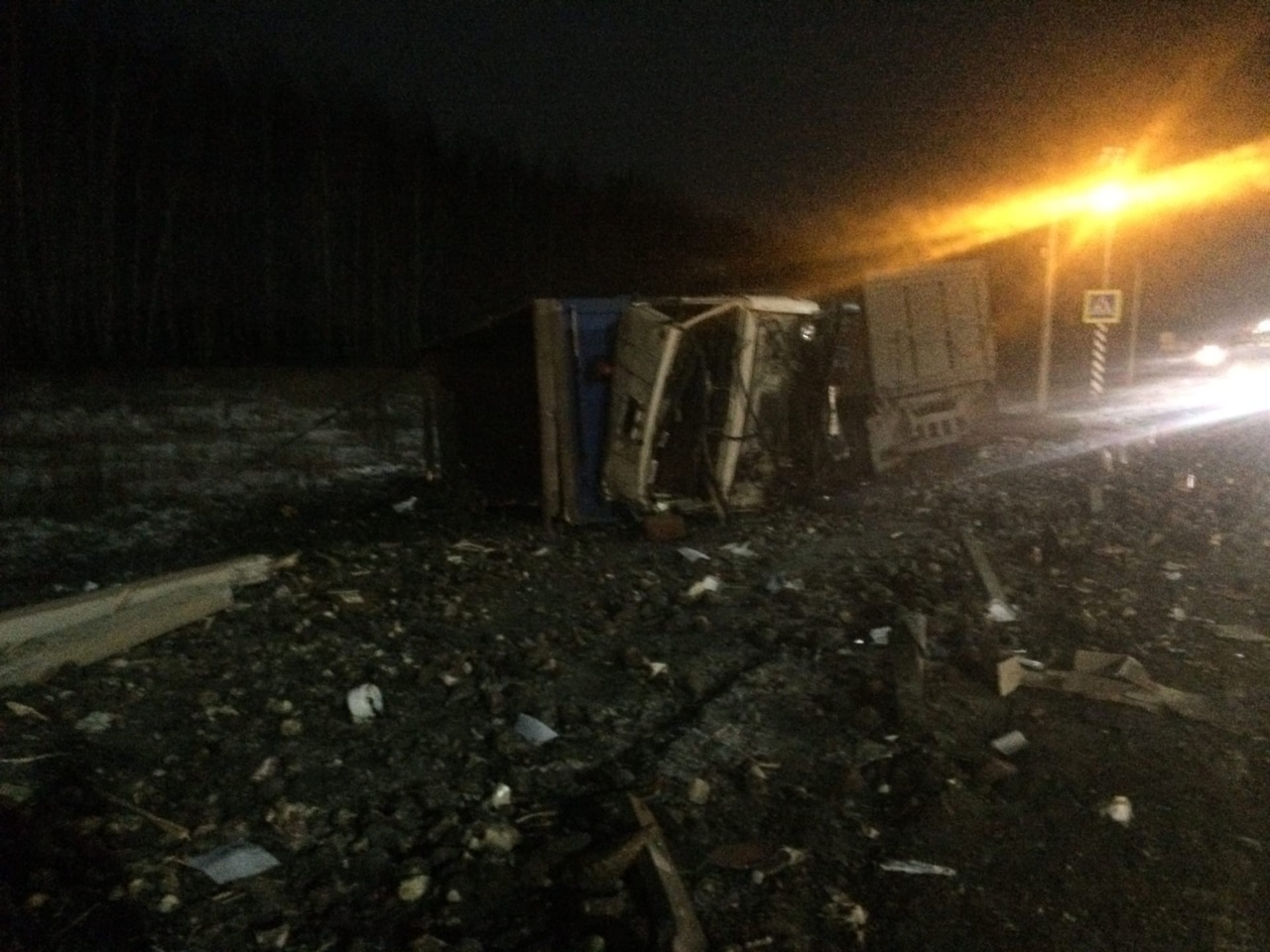 В Мордовском районе внедорожник столкнулся с КамАЗом: есть пострадавший