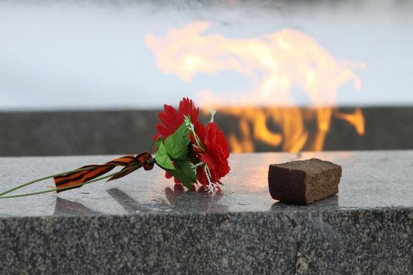Госдума приняла закон о всероссийской минуте молчания