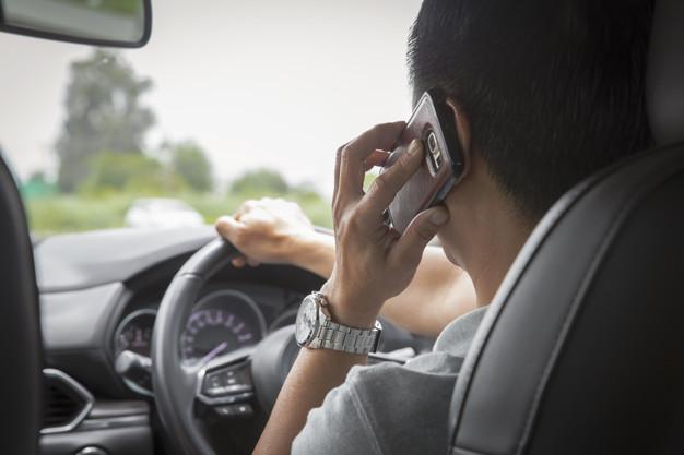 На дорогах появятся камеры, фиксирующие разговор водителя по телефону