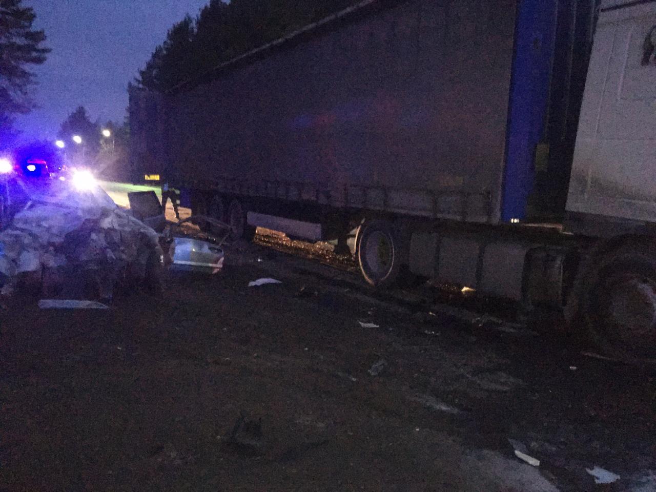 На трассе в Тамбовском районе при столкновении с фурой погиб водитель отечественной легковушки
