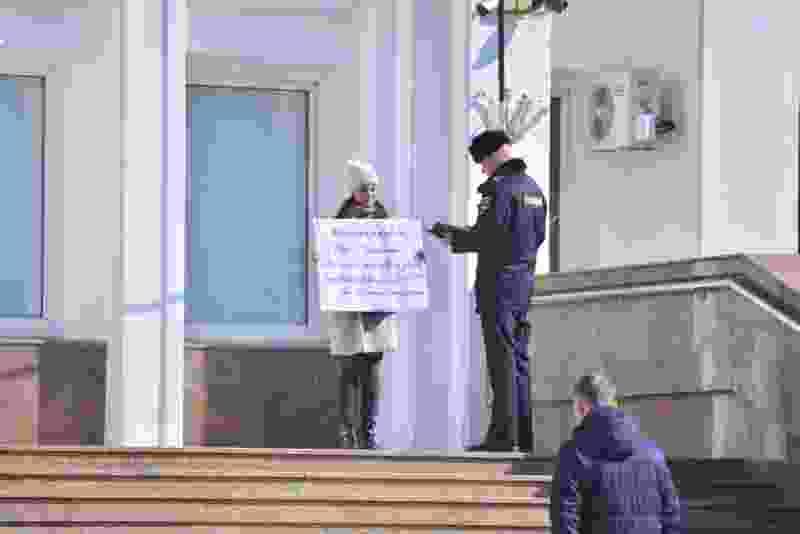 Обманутые дольщики из недостроя в центре Тамбова снова выходят пикетировать к зданию областной администрации